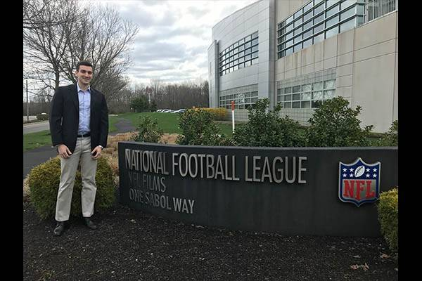 Jason Kaner '19 Uses JD/MBA Skills in Role with NFL
