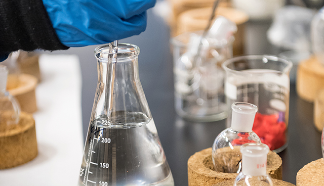 Chemistry beakers, droppers and other equipment in the lab