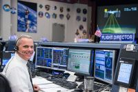 Alumnus and NASA Flight Director Engineers the Unknown