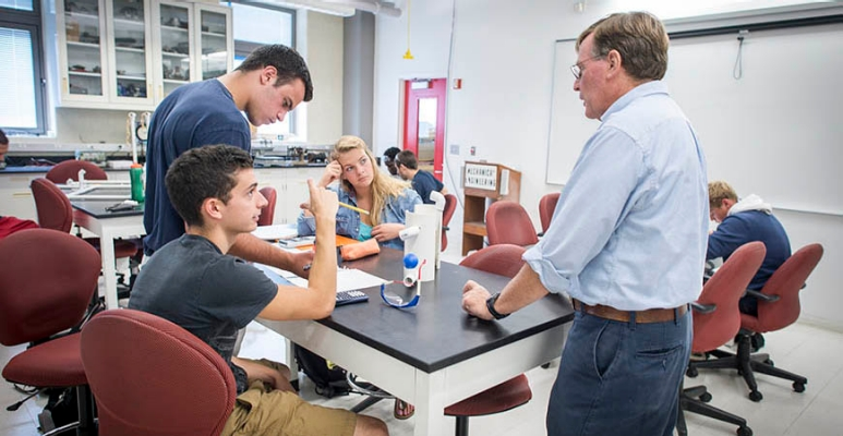 Mechanical Engineering professor Jim O'Brien brings a personal touch to the freshman undergraduate experience.