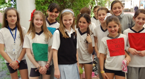 Abigail Dinehart with students from Villa Maria Academy in Santiago, Chile.