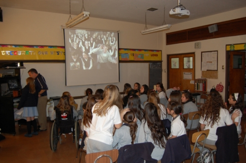 The VMA class in Santiago connected with their counterparts in the U.S. via Skype.