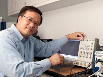 Dr. Yimin Zhang, Research Professor and Director of the Wireless Communications and Positioning Laboratory