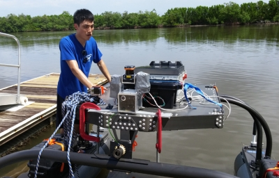 Gin Siu Cheng '14 CpE with the WAM-V in Florida.
