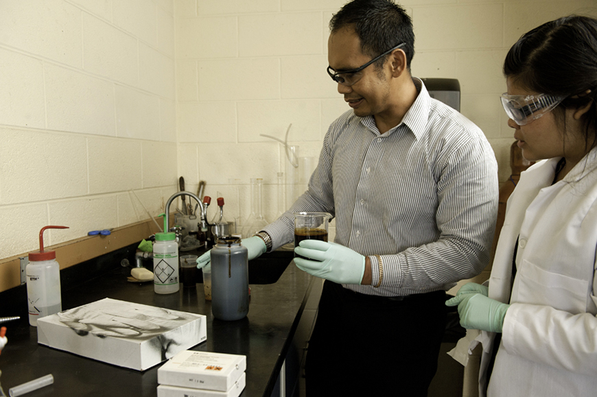 Dr. Justinus Satrio produces bio-crude oil from biomass liquefaction processes.