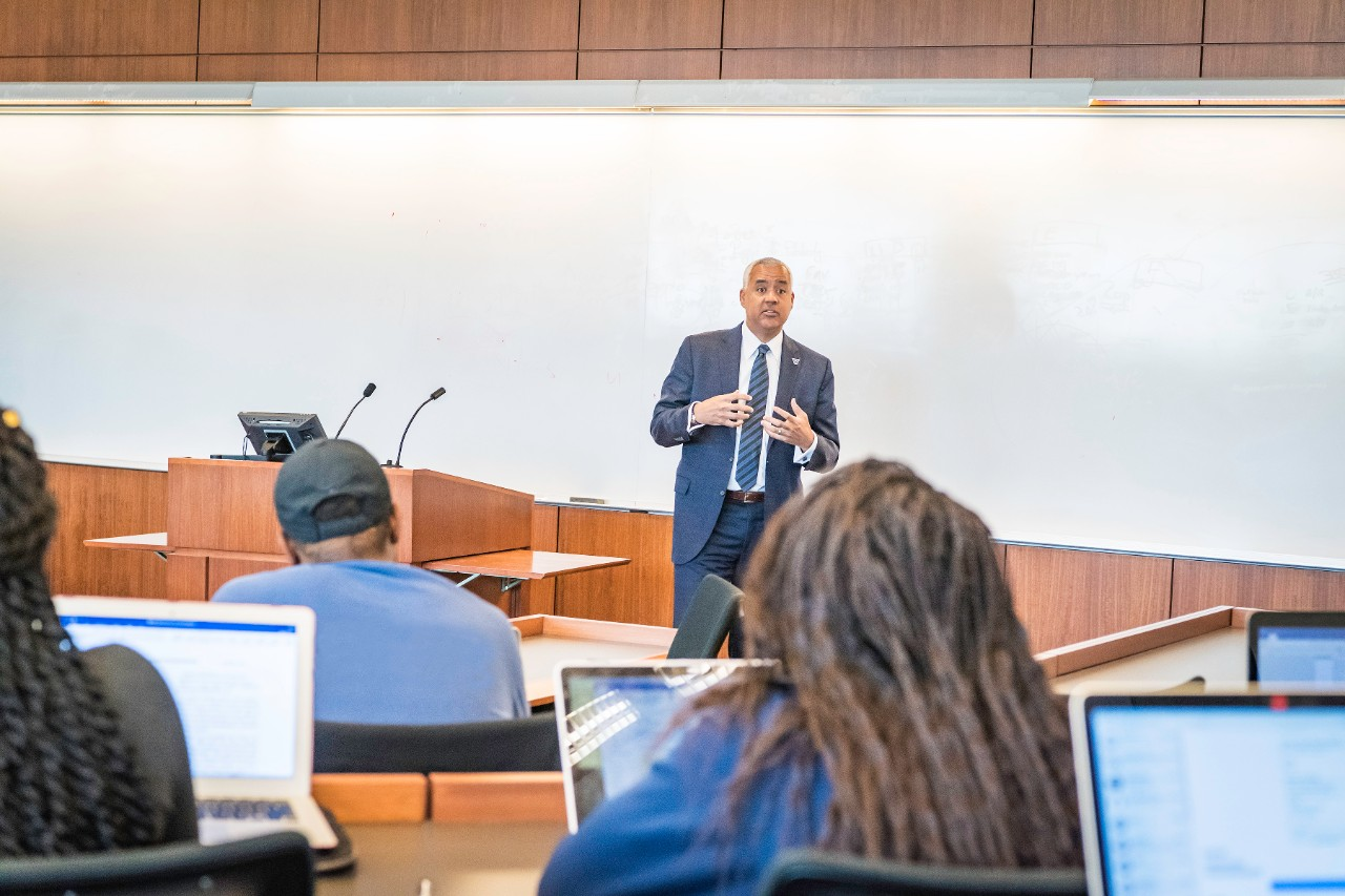 Dean Alexander teaches Race and the Law