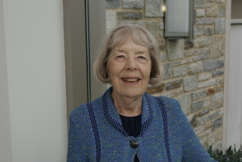 Dr Lesley Perry