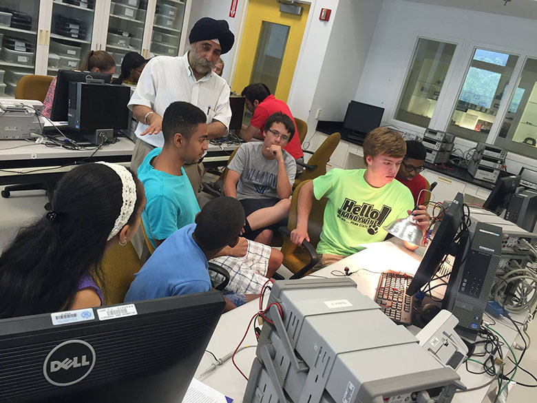 Professor and department chair Pritpal Singh, PhD, introduces students to Electrical and Computer Engineering.