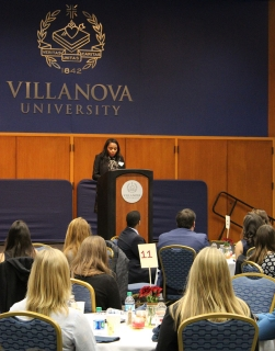 Sheena M. White, '06 ME gives keynote speech at the annual SWE dinner